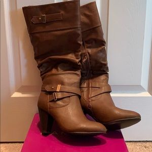 Rampage Enliven women's brown boots.
